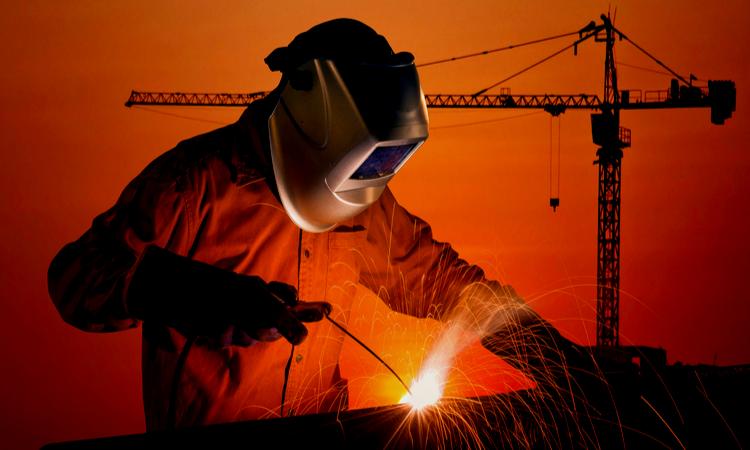 Importancia y mantenimiento de las uniones soldadas en la construcción.
