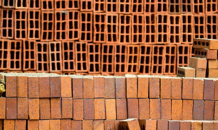 La inercia térmica de los materiales de construcción.